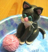 Kitty with wool trinket dish